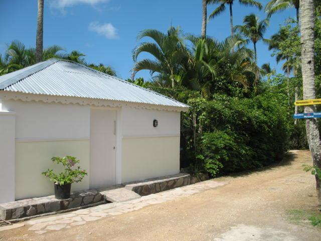 Dominican-style house in gated community - BEST DEAL at LAS TERRENAS! Dominican-style house.WiFi. No car needed. Close to everything. - Las Terrenas - rentals