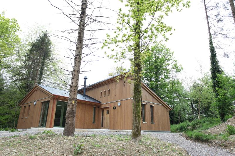 Eco Natural Design - Ballyhoura Forest Luxury Homes Ireland We want you - Limerick - rentals