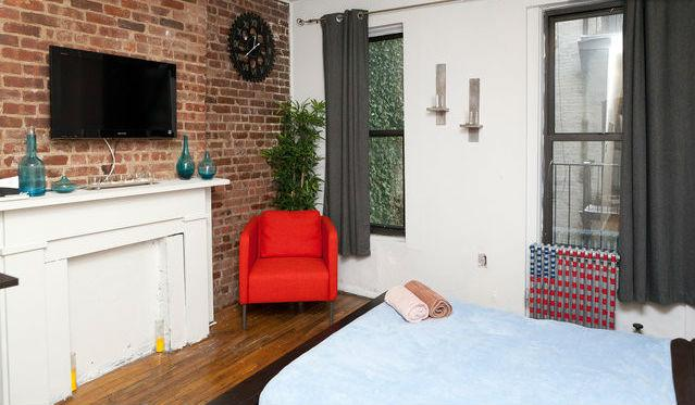 Centrally located Midtown west 1bdm - Image 1 - New York City - rentals
