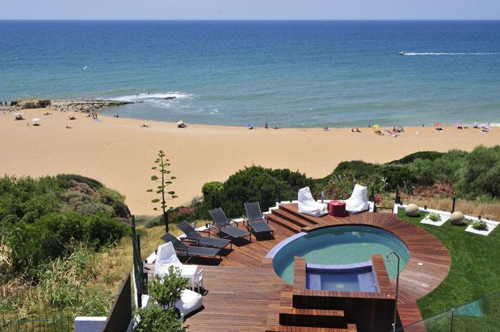 view of the swimming pool and the sea - Luxury Villa De La Plage Algarve/albufeira - Albufeira - rentals