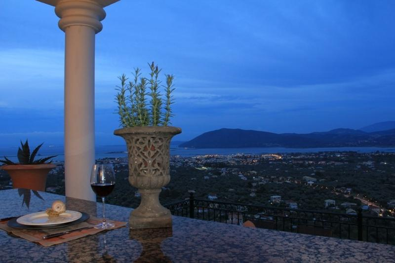 Blick Stadt, Hafen, Meer und Lagune - View city, harbor, sea and lagoon - Lemoni 60m² new Stone Villa, two terraces, seaview - Lefkas - rentals