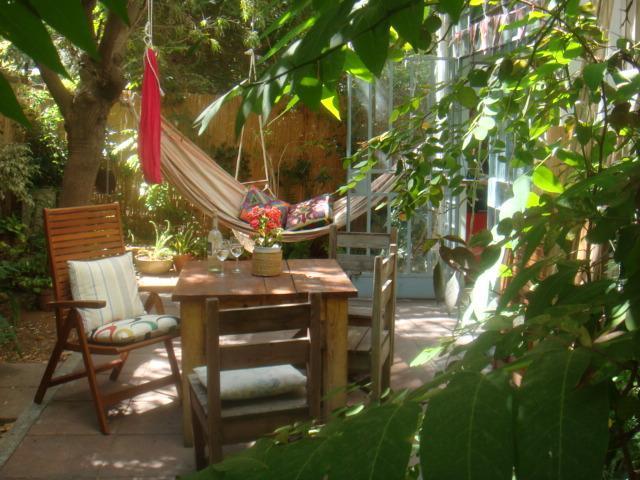 Garden - Amazing designed 2br+Living Room+Garden, Central TLV, Jul-Aug. Rothshild/Shenkin - Tel Aviv - rentals