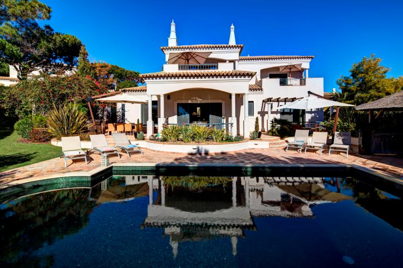 4 bedroom Villa Algarve, Quinta do Lago, near Golf - Image 1 - Almancil - rentals