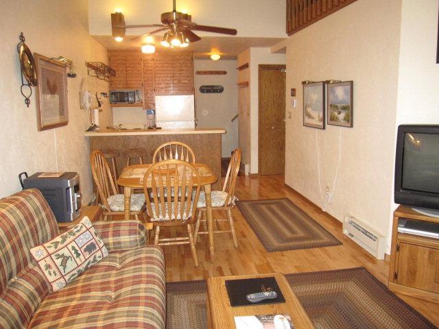 livingroom - Cape Cod of the Midwest - Egg Harbor - rentals