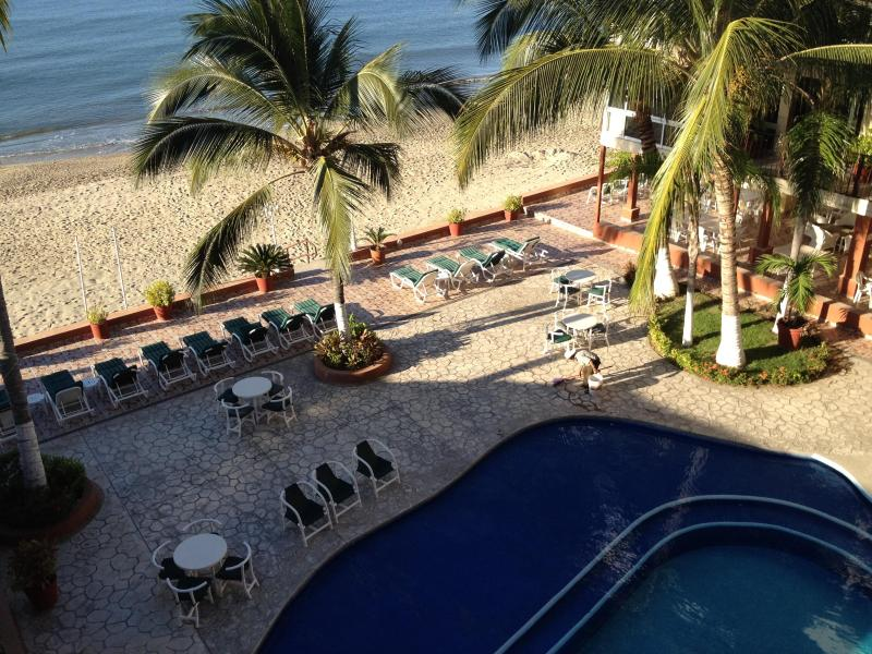 Ocean Front Pool and Common Area - Gorgeous One Bedroom Suite In Waterfront Complex - Bucerias - rentals