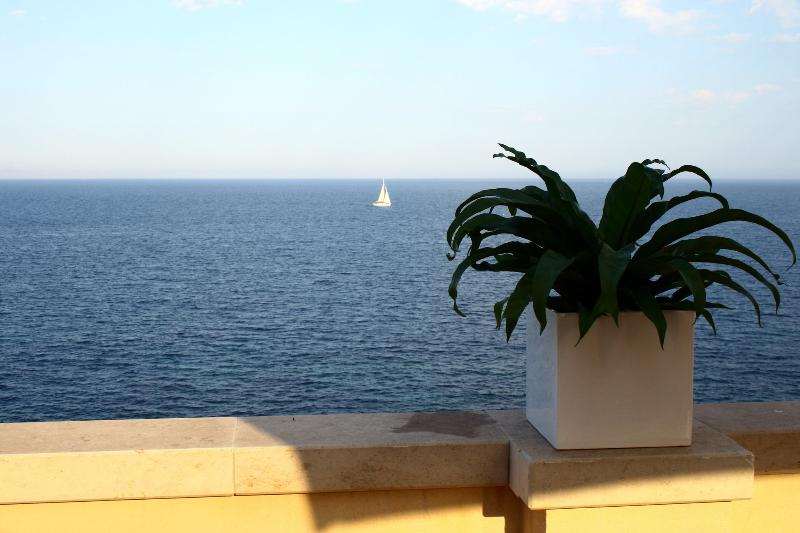 A Breathtaking View of the Mediteterranean Sea. - Luxury Apartment in Ancient Building. - Syracuse - rentals