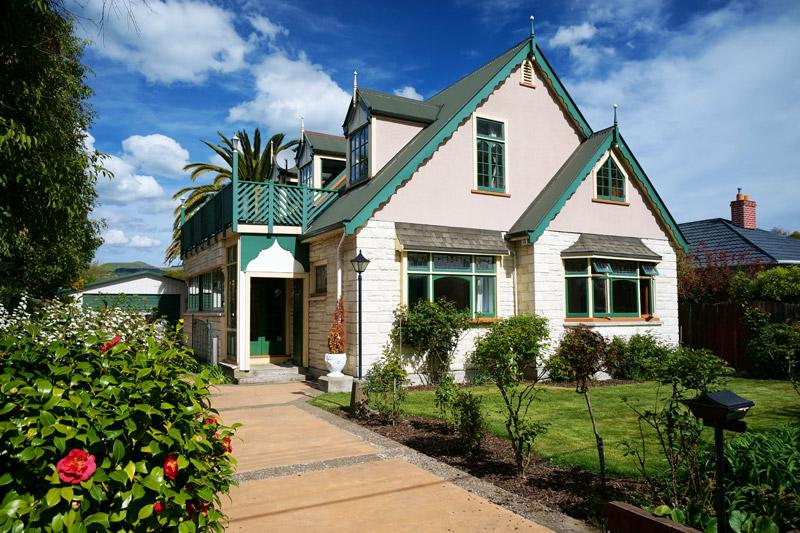 Front of house - Gingerbread Lodge Bed & Breakfast - Christchurch - rentals
