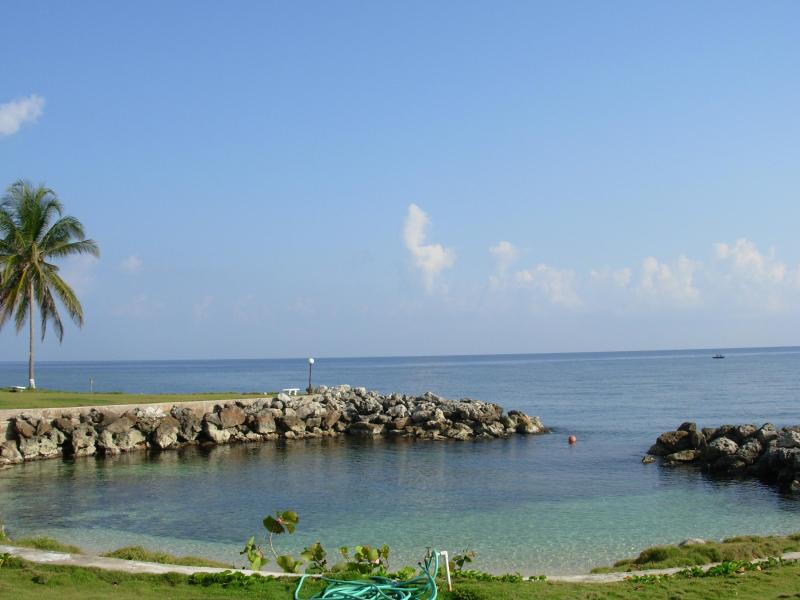 Private Beach.  Peace and Tranquility! - 'Hidden Coral ' 1-3 Bedroom Apartment.  Ocho Rios - Ocho Rios - rentals