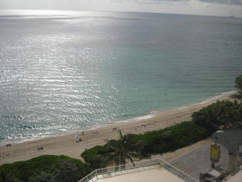 SPECTACULAR OCEAN FRONT STUDIO AT MIAMI BEACH - Image 1 - Miami Beach - rentals