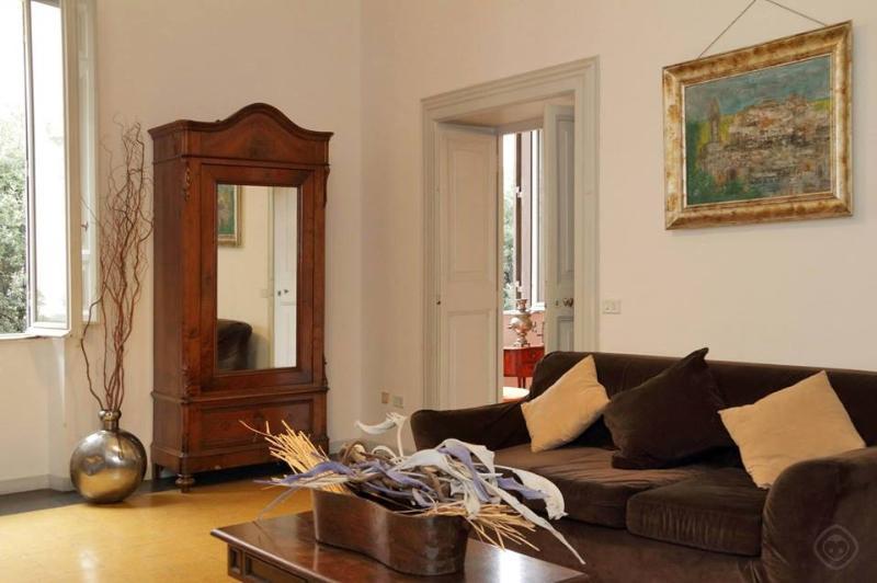 Apartment Rione Monti Apartment Rione Monti - Image 1 - Rome - rentals