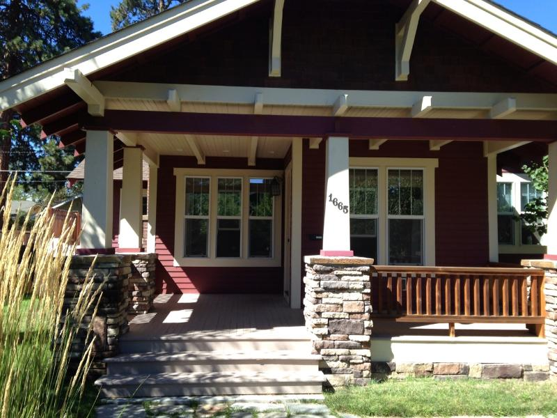 Westside, pet-friendly, block from River trail - Second Street Bungalow--Pets, Hot Tub, Clean, Cozy - Bend - rentals