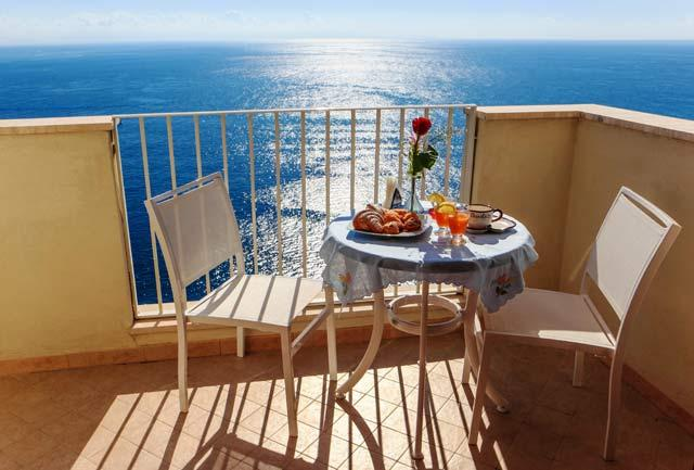 Lovely therrace overlooking the sea accesable from the living/dining/kitchen and from the bedroom - AMALFI SEA VIEW APARTMENT LA SIRENETTA AMALFICOAST - Amalfi - rentals