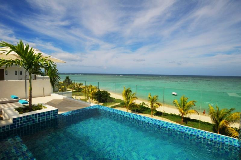 Beach Penthouse Wolmar private pool, beachfront - Image 1 - Flic En Flac - rentals