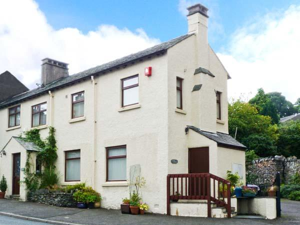 CORNER COTTAGE, romantic retreat, walks and cycle routes close by, in the heart of the village of Broughton-in-Furness, Ref 24403 - Image 1 - Cumbria - rentals