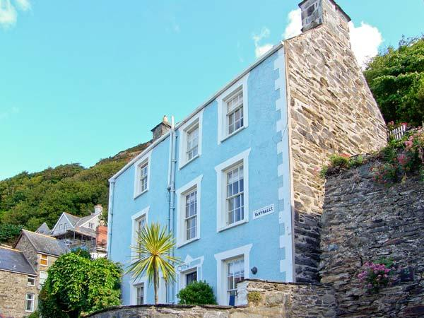 TAN YR ALLT, family-friendly, over four floors, close to beach in Barmouth Ref. 26092 - Image 1 - Barmouth - rentals