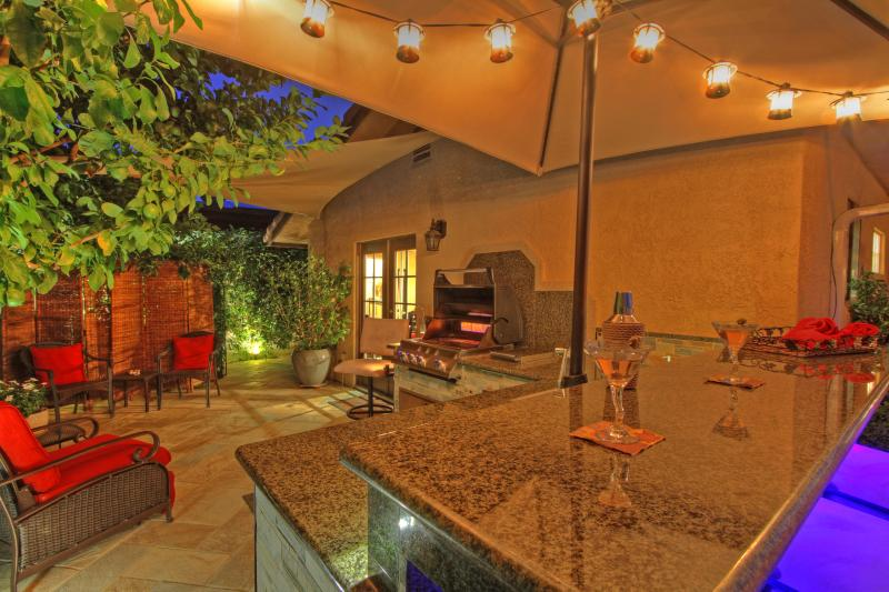 Citrus courtyard; granite bar & prep  counter; open flame grill; water feature heard from master - Gorgeous Mini Resort Outdoor Bar/Grill/Spa/ Fun! - La Quinta - rentals