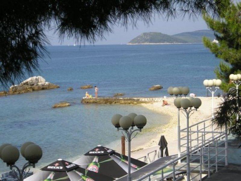 Galladriella -Split beach apartment - Image 1 - Split - rentals