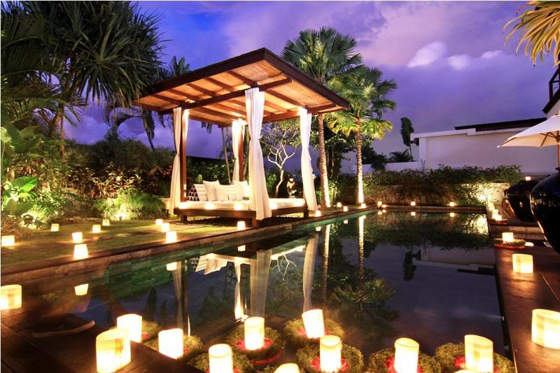 Villa Magna in the night - Temple Hill Residence Villa @ Villa Magna - Jimbaran - rentals