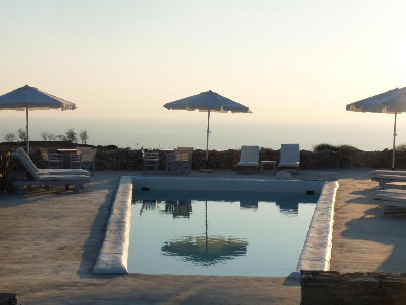 "Folegandros  "" Lithia "" - Villa Levanda & Pool - Image 1 - Folegandros - rentals"