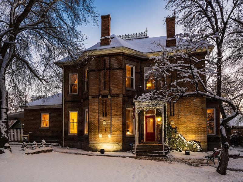 6 Bedroom Suites|Outdoor Hot Tub|Historic Charm W/Modern Updates|Walk to Trax - Image 1 - Salt Lake City - rentals