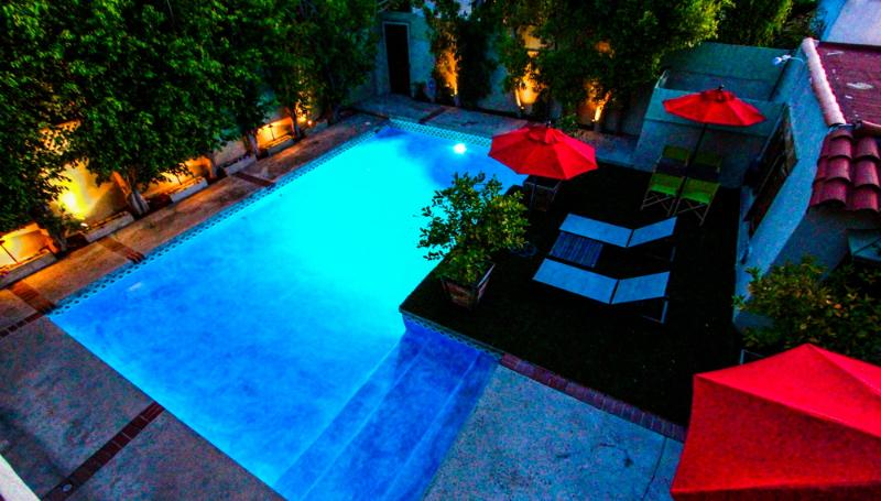 Beautiful backyard with large heated pool - Rodeo Drive Luxury Villa - Beverly Hills - rentals