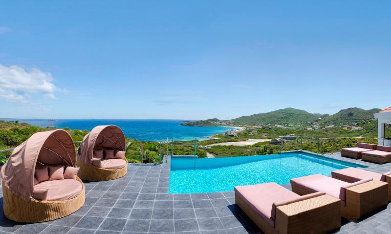 Sea la Vie, Red Pond Estates, St Maarten - SEA LA VIE... Wow!  Beautiful Modern 4BR Villa - gorgeous views of Guana Bay - Saint Martin-Sint Maarten - rentals