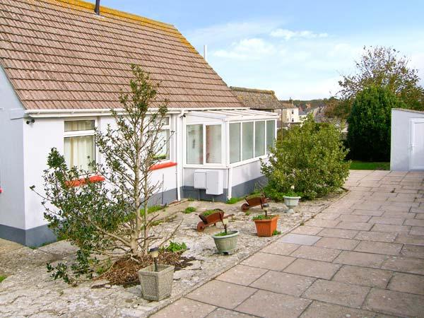DELIMARA, WiFi, close to the coast, off road parking, detached cottage in Portland, Ref. 28523 - Image 1 - Easton - rentals
