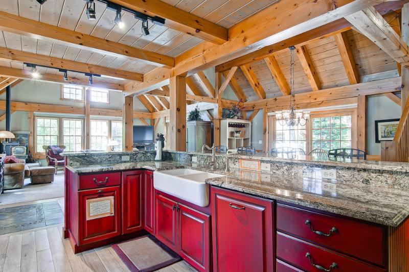 The professional kitchen has nice built-in appliances, granite countertops, and room for several helpers. - Beautiful mountain home 600yds from slopes with hot tub, pool table, free shuttle (600 yds to slopes, free shuttle) - Timber Peak Lodge - Breckenridge - rentals