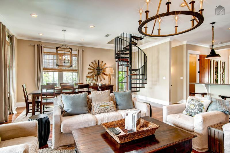 The 2nd floor great room has plenty of seating in the living and dining areas, and beautiful hardwood floors - Luxurious home in heart of Rosemary Beach with private hot tub and pool - The Cabana House - Rosemary Beach - rentals