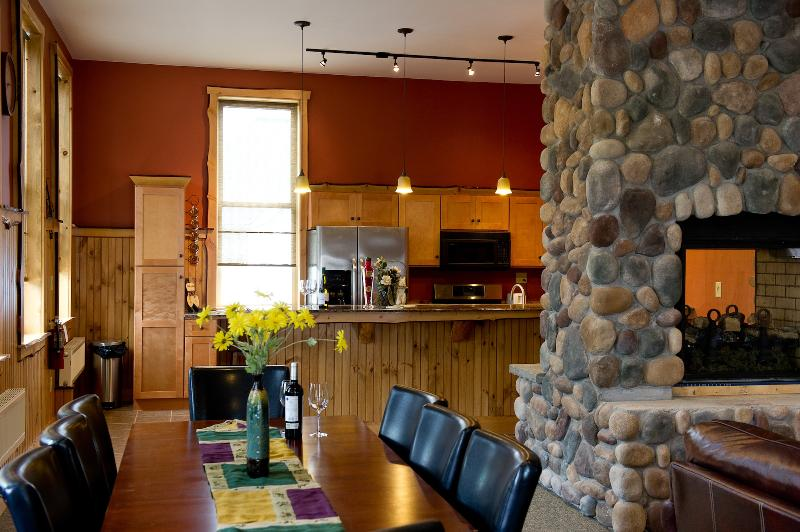 The dining area calls out to your group! Fill it with great food and wines, and loads of laughter! - Luxury apartment rental, central Adirondacks - Chestertown - rentals