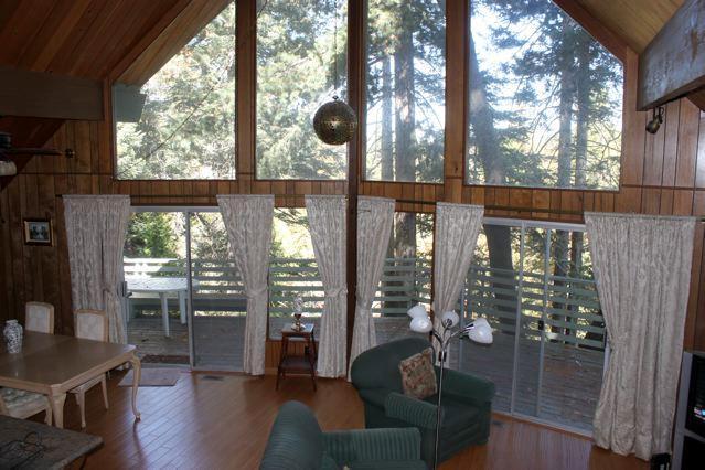 Living Room - Amazing Lake Arrowhead Cabin - Lake Arrowhead - rentals
