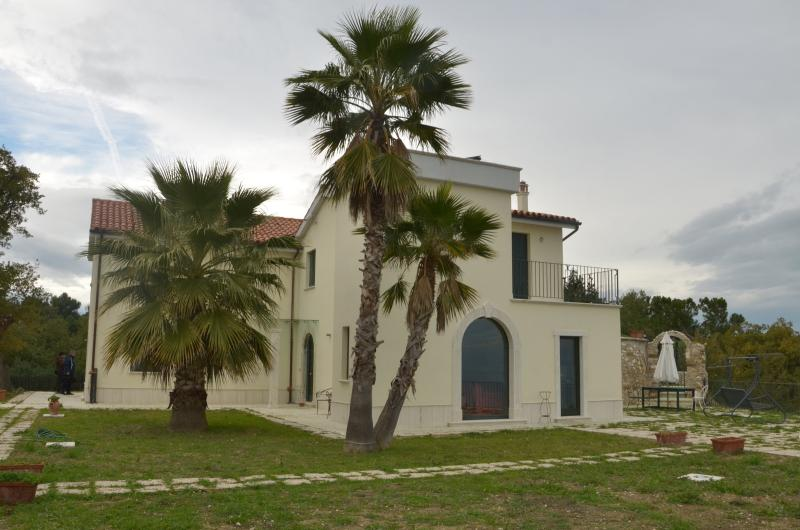 Beautifull Villa Lia with stunning sea view - Image 1 - Cupra Marittima - rentals
