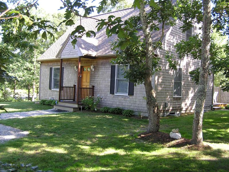"""Great Location - Oak House """"Great Family Vacation House"""" - Oak Bluffs - rentals"""