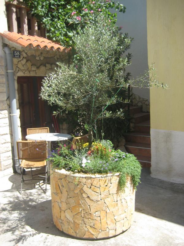 Novalja apartment for 4pax - Frane 1 - Image 1 - Novalja - rentals