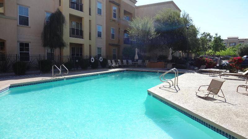 Heated Pool - Beautiful 2 bedrm, 2 Bathrm + Den - Surprise - rentals