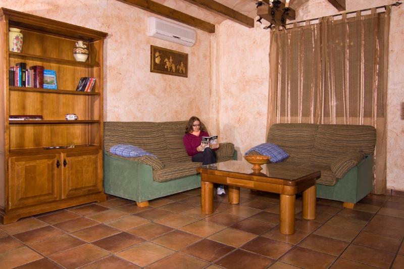Salón - Teresa Cottage in Alcaraz Green Way Spain - Robledo - rentals