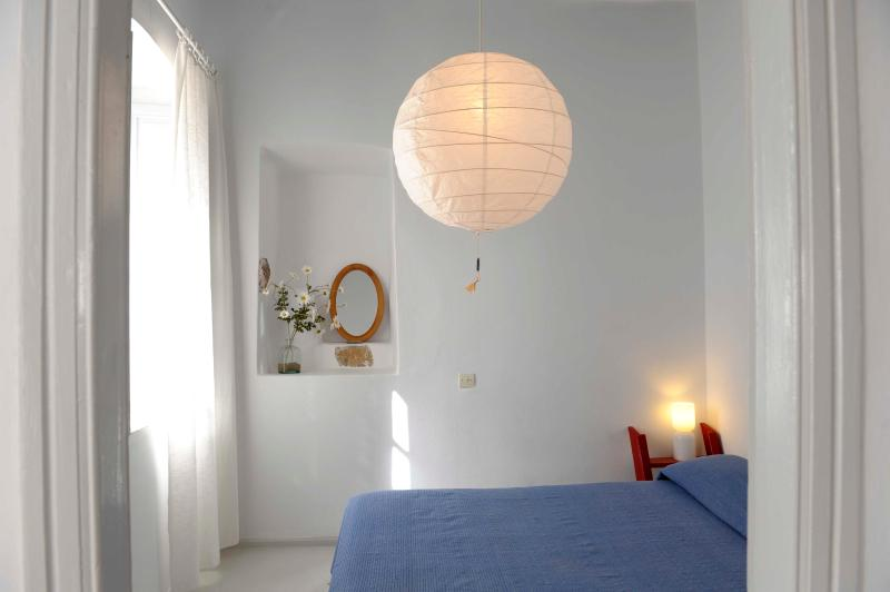 Traditional Cycladic House in Plaka - Image 1 - Milos - rentals