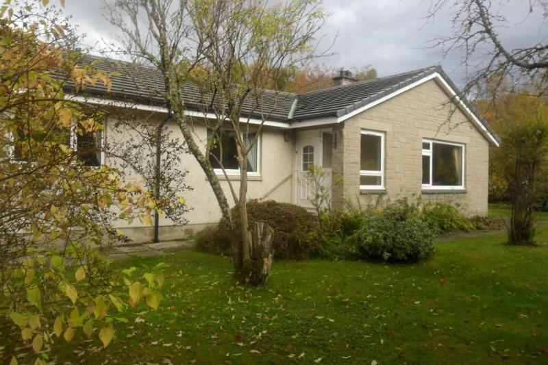 Wayside - Bungalow - Secluded 4 bedroom bungalow in highland village - Roybridge - rentals