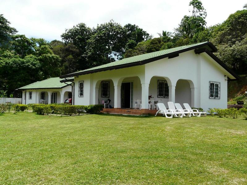 external view - villa rentals on the east coast of mahè - Au Cap - rentals