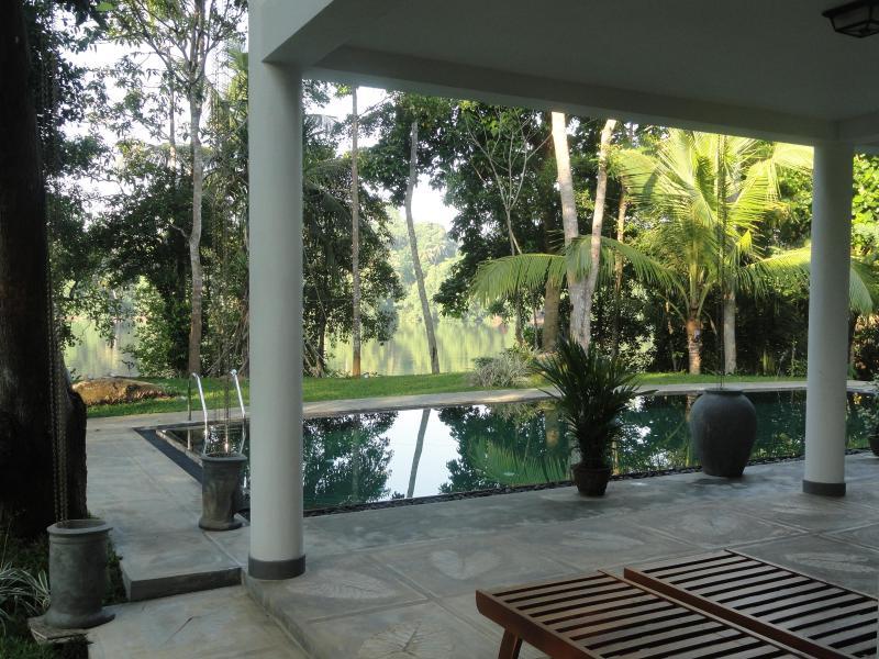 The infinity pool and the lagoon beyond - The Retreat at Blue Lagoon, Hikkaduwa, Sri Lanka - Hikkaduwa - rentals