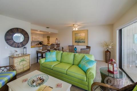 Beautifully Professionally Decorated - Mariner's Pointe - Beautiful 2 Bedroom Condo - Bring Your Boat!!!!! Dockage Available - Sanibel Island - rentals