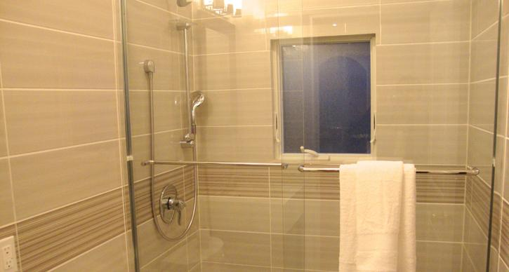 Bath2 - Brand New Deluxe Vacation house for Rent in NY - College Point - rentals