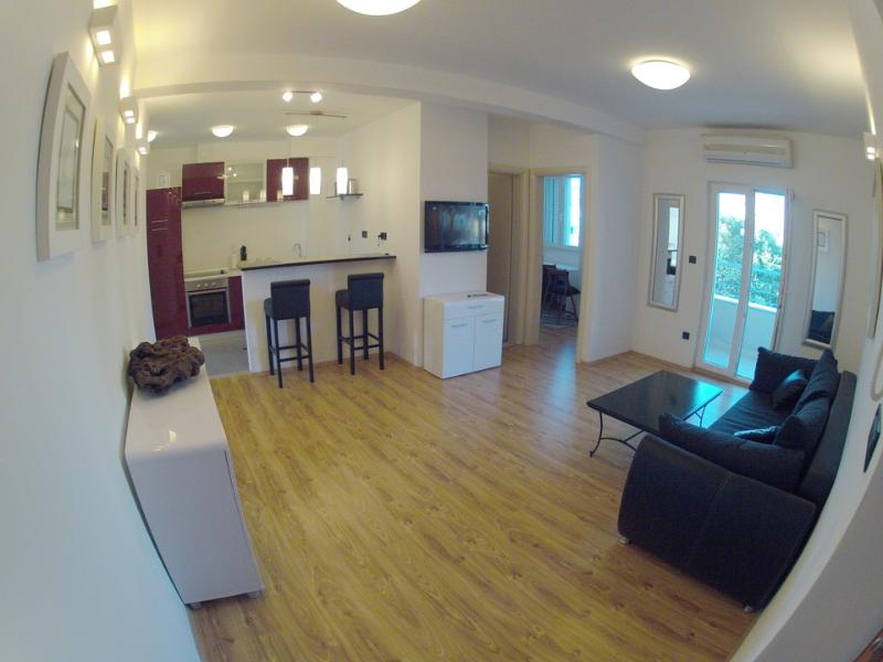 Living room - Split, nw 2 bedroom apart.city cent.and beac,garag - Split - rentals