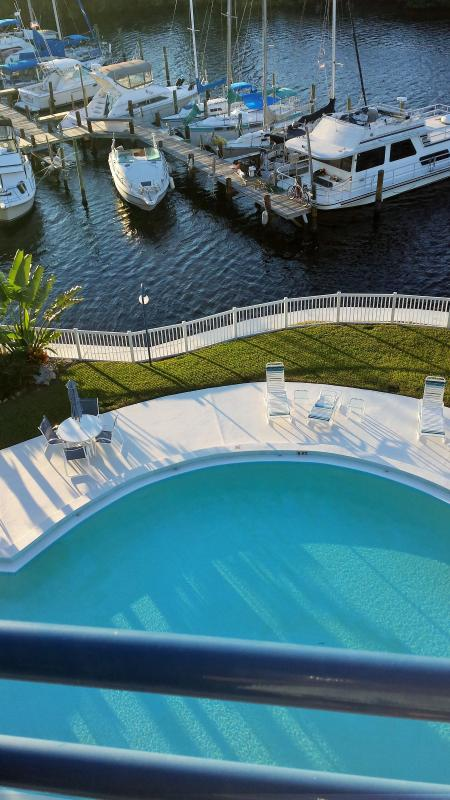 Gulfront Condo with spectacular sunsets - Image 1 - Port Richey - rentals