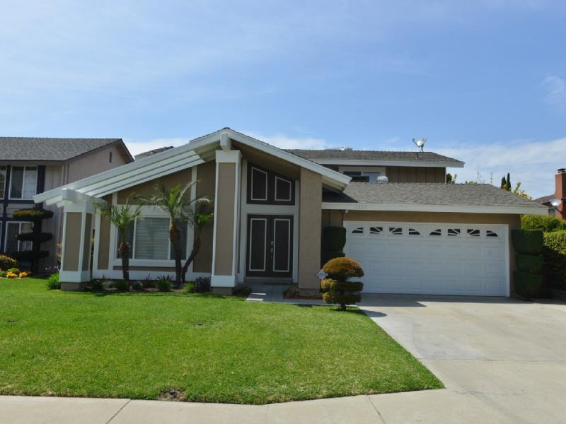 Front of the house - Luxury Heated Pool/Spa Home 2 miles to Disney Land - Anaheim - rentals