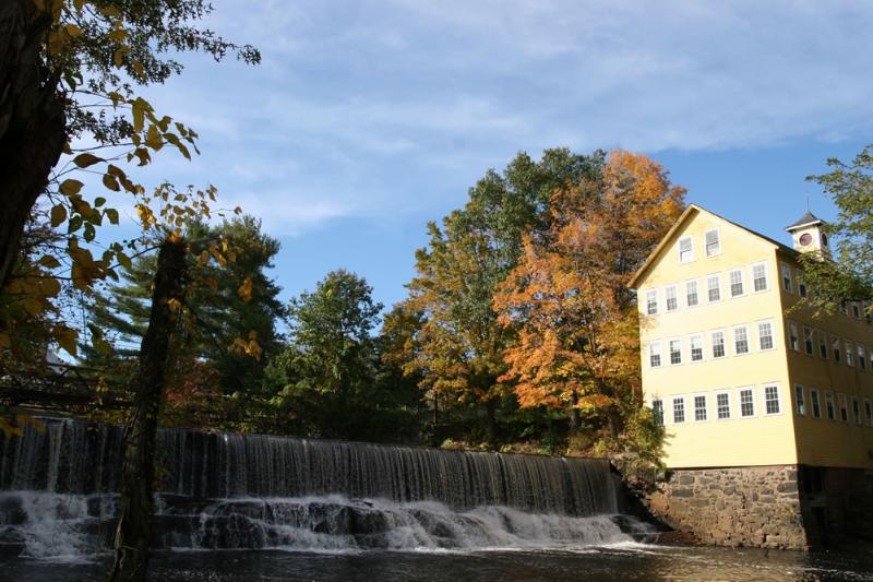Old Mill Inn overlooking the Mill River - Riverview apt in Mill B&B near Northampton/Amherst - Hatfield - rentals