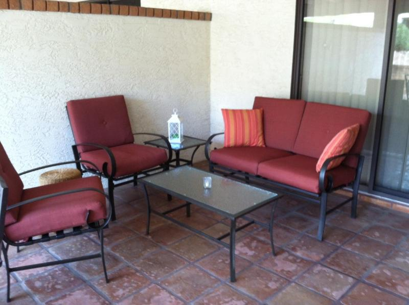 Outdoor Living Room - Walk 2 Everything Spacious Patio Home, Heated Pool - Fountain Hills - rentals