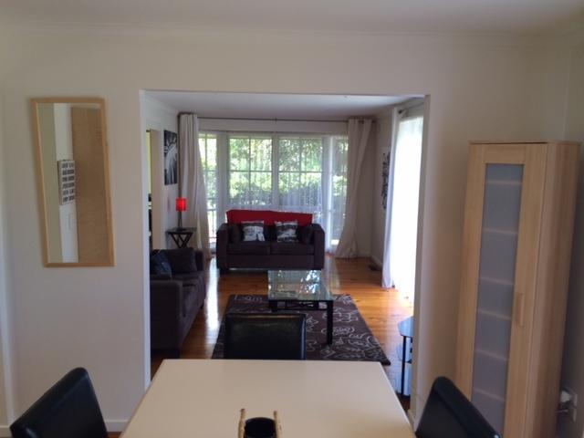 Dining/Lounge - Doncaster Elgar 2 Accommodation - Doncaster - rentals