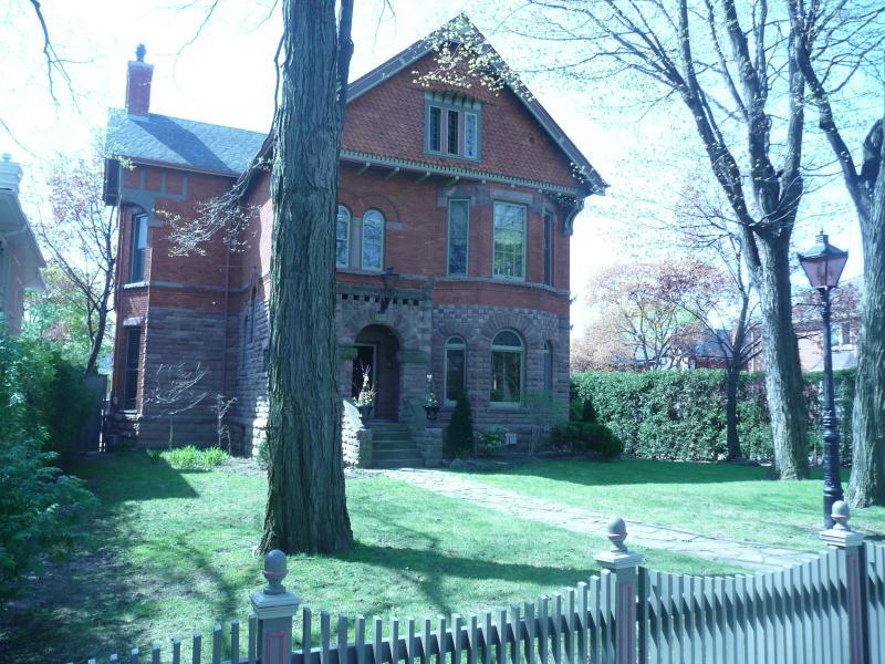 Victorian Gem in Midtown Toronto - Image 1 - Toronto - rentals