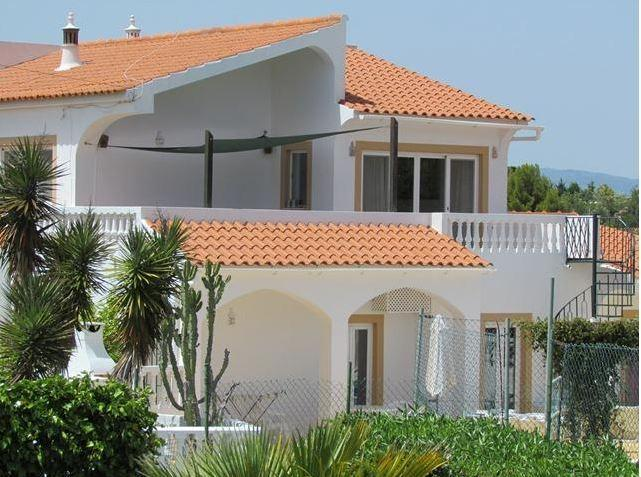 VIVENDA SUMMERTIME - Fabulous 6 Bedroom Villa with private tennis court and large pool - Image 1 - Carvoeiro - rentals